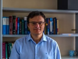 Associate Professor Facultad de Ciencias. C/ Federico García Lorca, 8 33007 - Oviedo   Phone.  34 985103325  lm.alvarez@cinn.es
